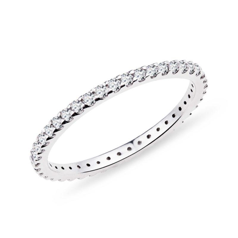 Diamantový eternity prsten v bílém zlatě KLENOTA