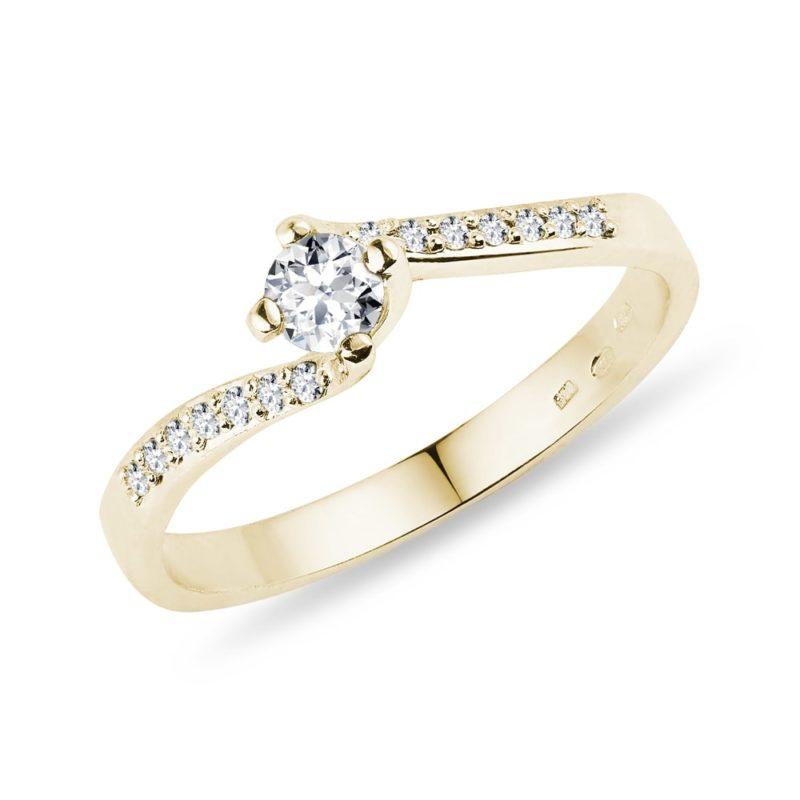 Prsten s diamanty ve žlutém zlatě KLENOTA