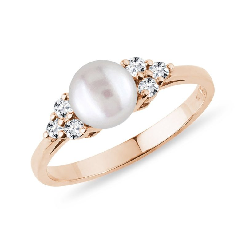 Prsten s perlou a diamanty v růžovém zlatě KLENOTA