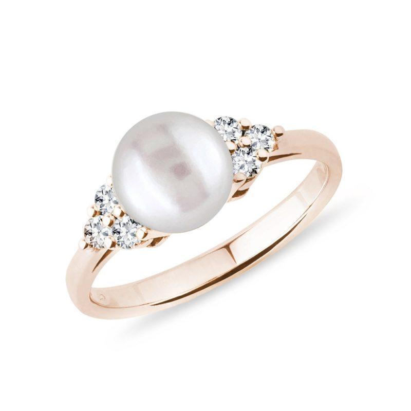 Prsten se sladkovodní perlou a brilianty v růžovém zlatě KLENOTA
