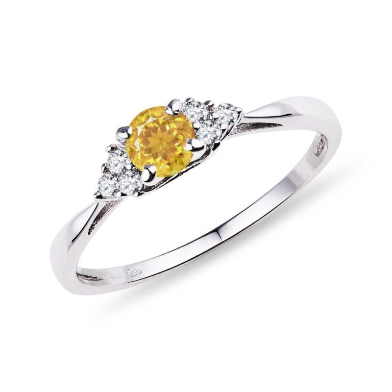 Prsten z bílého zlata s citrínem a diamanty KLENOTA