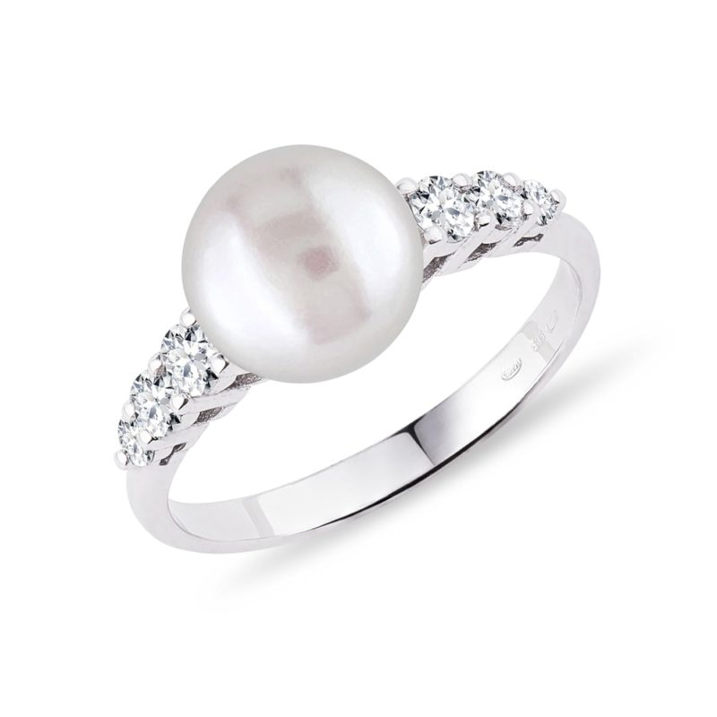 Prsten z bílého zlata s perlou a diamanty KLENOTA