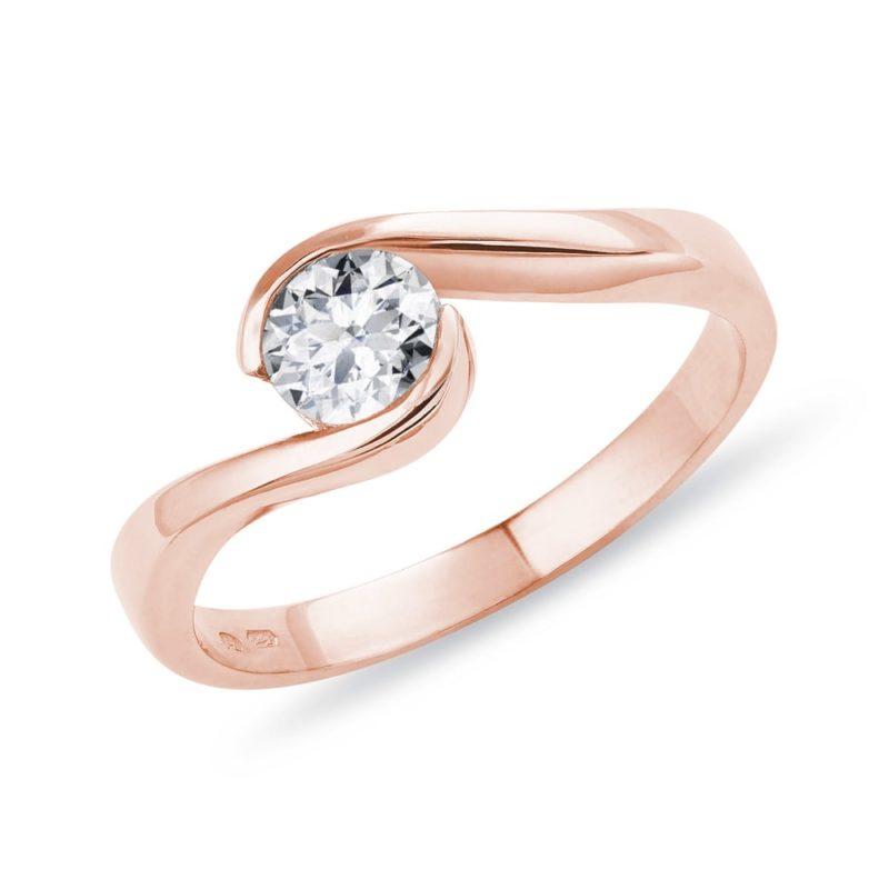 Prsten z růžového zlata s 0
