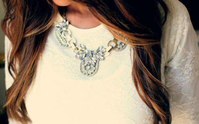 Výběr šperků podle tvaru výstřihu