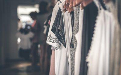 Správně zvolené oblečení snadno zamaskuje větší bříško